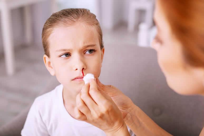 Sangramento nasal (epistaxe)